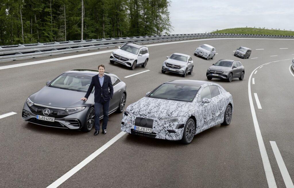 Mercedes, il futuro è tutto elettrico: solo auto a batterie entro il 2030