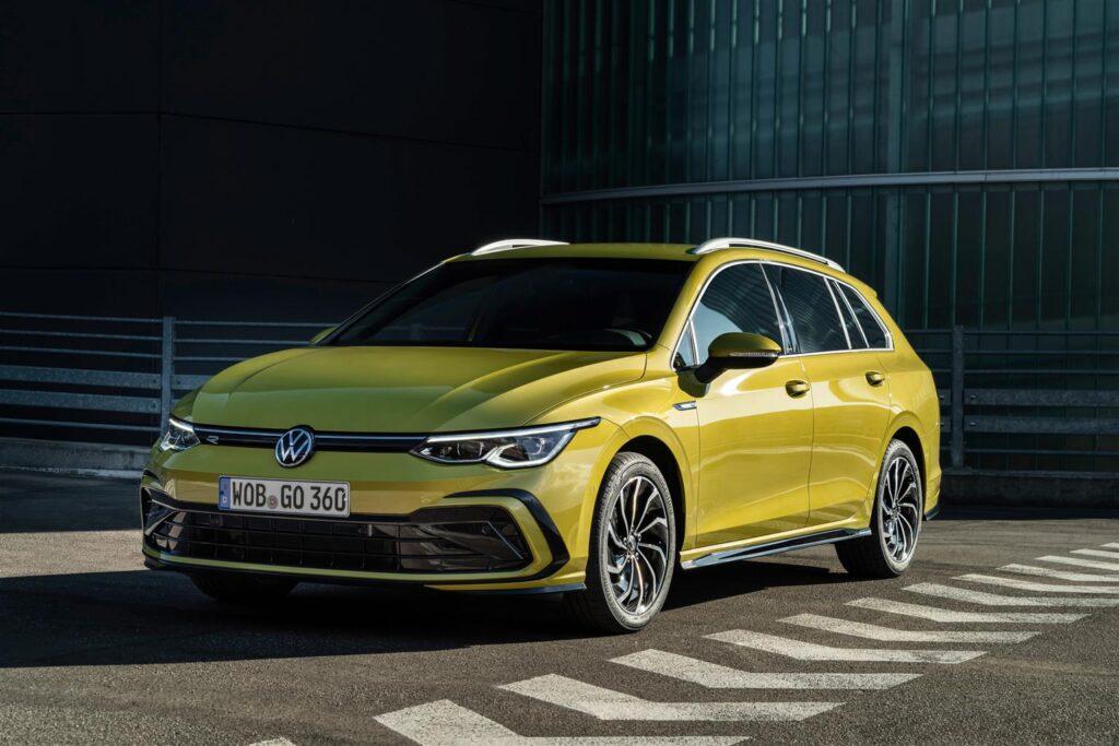 Volkswagen Golf 8 Variant: l'ibrida in promozione a 199 euro al mese [VIDEO]