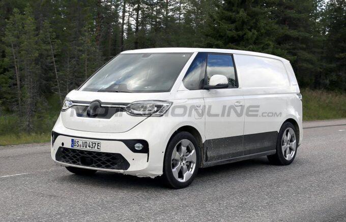 Volkswagen ID. Buzz - Foto spia 13-09-2021
