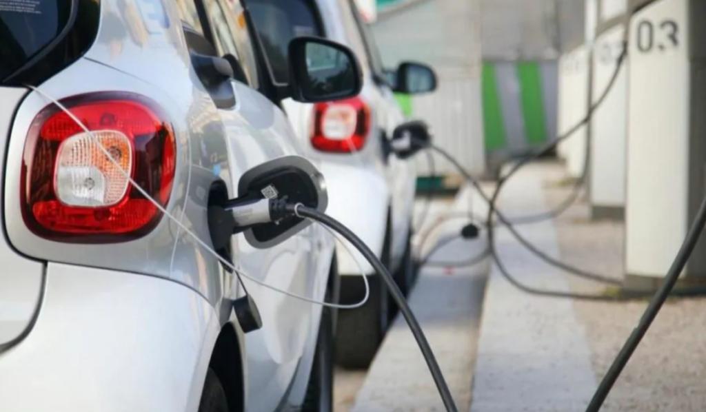 Auto elettriche: si valuta un superbollo in Texas